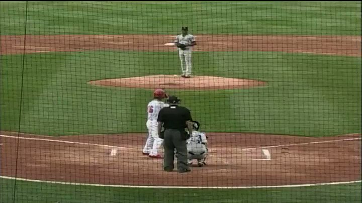 There it is!   1st Pro HR for @KramerR3 #STLCards https://t.co/wRBdHVZcre