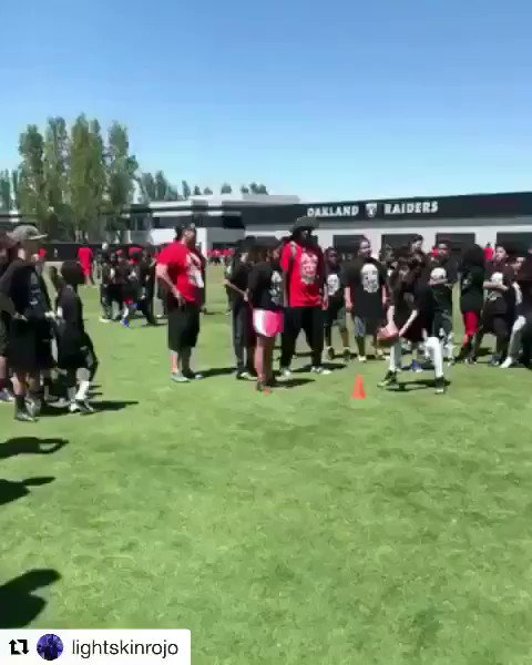 Everybody tries to shake the defender in this dril. Meanwhile in Oakland, Ca....... https://t.co/A2MKnZcOoK