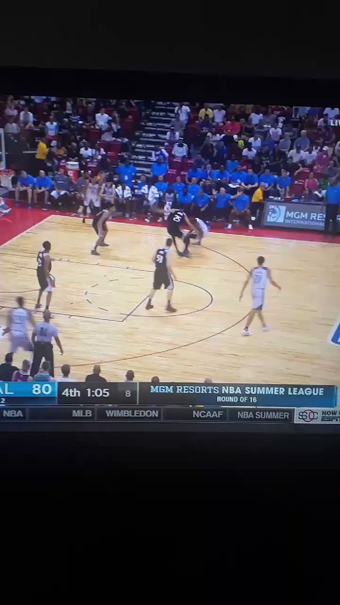 Dennis Smith Jr with the greatest missed dunk in basketball history https://t.co/HhMkkmbySW
