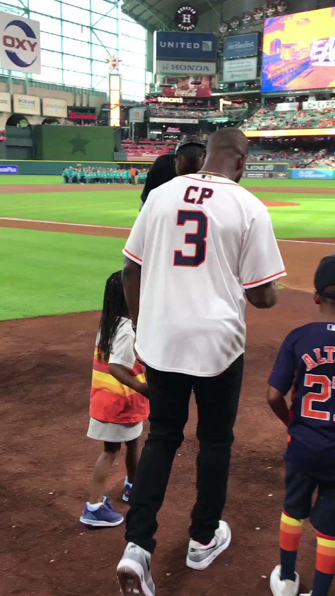 Right down the middle for @CP3's first pitch @astros! ⚾️