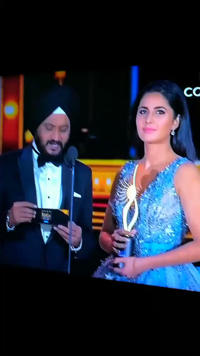 And the best editing award goes to... https://t.co/tQQwJ69zPg