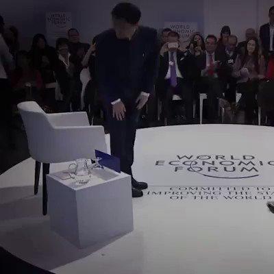 جاك ما صاحب موقع علي بابا واغنى اغنياء آسيا ... يتحدث عن قصة نجاحه https://t.co/Pp7OXfdFSH