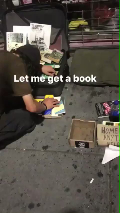 Meek Mill gives a homeless person $100 for a book 🙏📚 @MeekMill https:/...