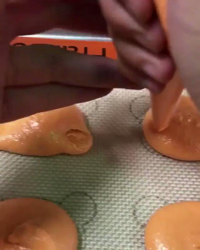 Red Panda macarons by https://t.co/9e661c9rTf !! So cute 💕