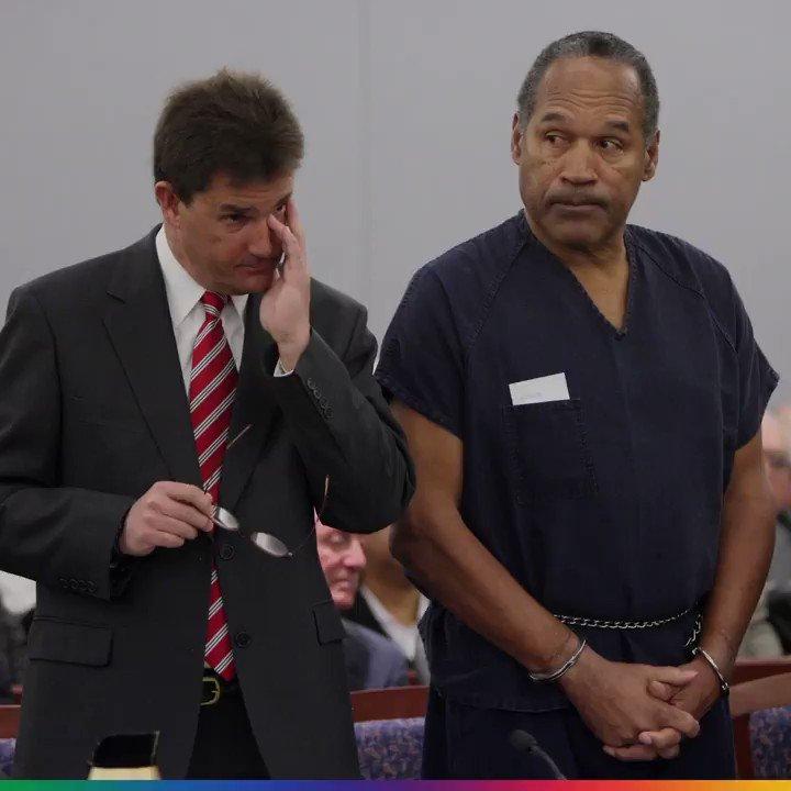 Conceden libertad condicional a O.J. Simpson, después de pasar nueve a...