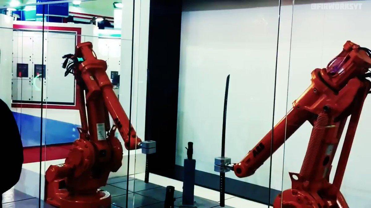 помощью инструмента промышленные роботы манипуляторы фото анимации южная