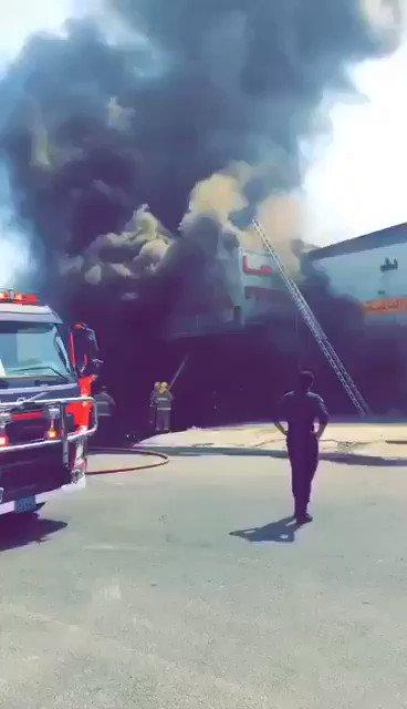 لمن يستهزىء بعمل رجال الإطفاء ، هذا الفيديو كافى بالرد عليكم .. #fm888   https://t.co/ECZi0efBEh
