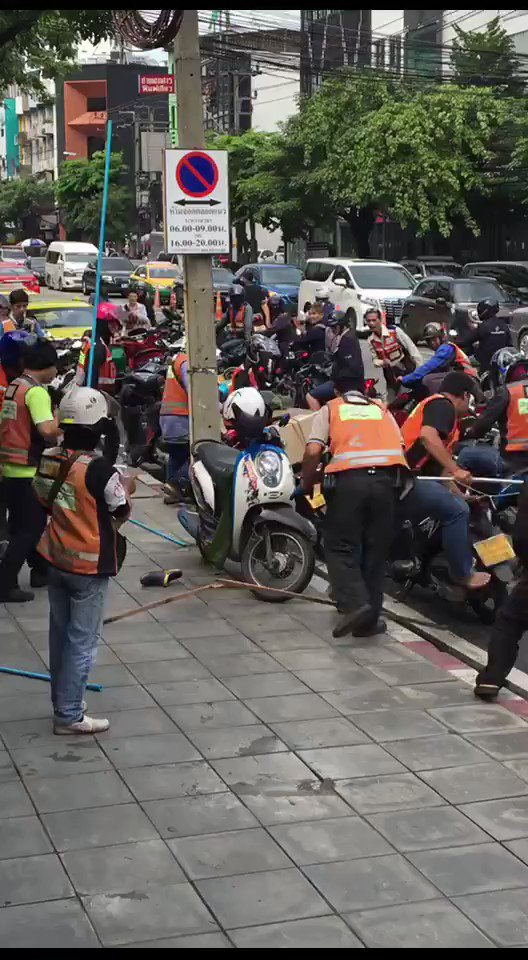 Thonglor 10 last Friday  (Vid cr. John Noid  https://t.co/DE8hq2Dftt) #Bangkok