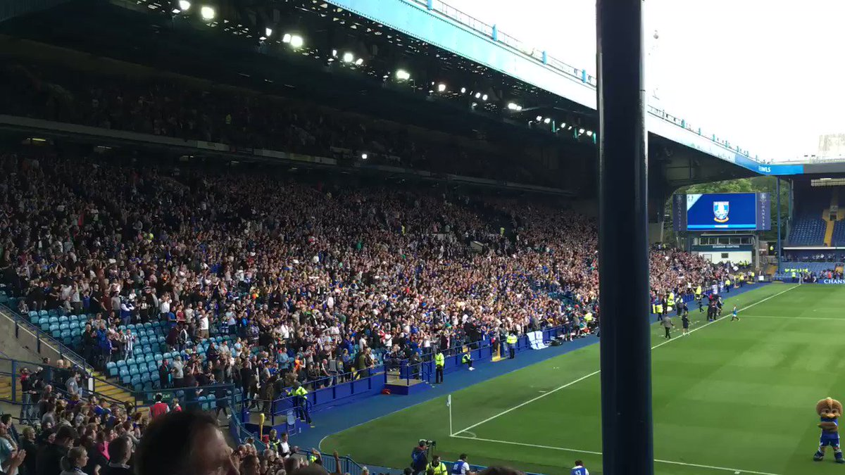 What an atmosphere. Goosebumps.  #swfc #rangers https://t.co/slq2W80XSs
