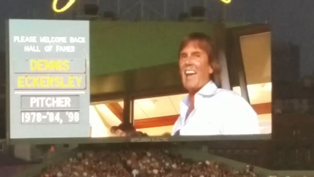 Eck was just honored at Fenway https://t.co/1ZIlLDxFaU