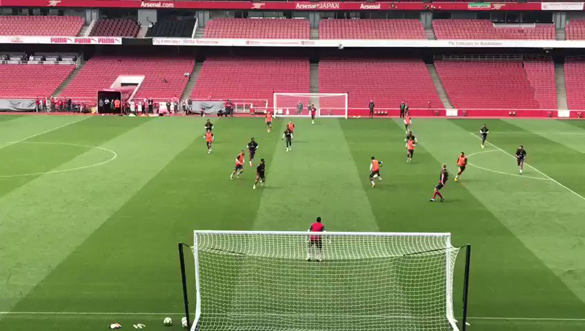 Lucas Perez can hit them!! #AFC #Arsenal https://t.co/HZD8yb50VO