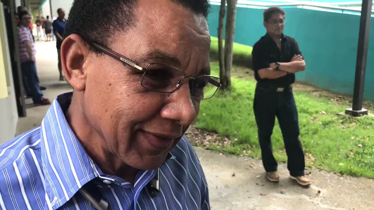 Don Felix Trinidad padre, le dió el voto a @angelguaynabo https://t.co/rCyrpCf00D