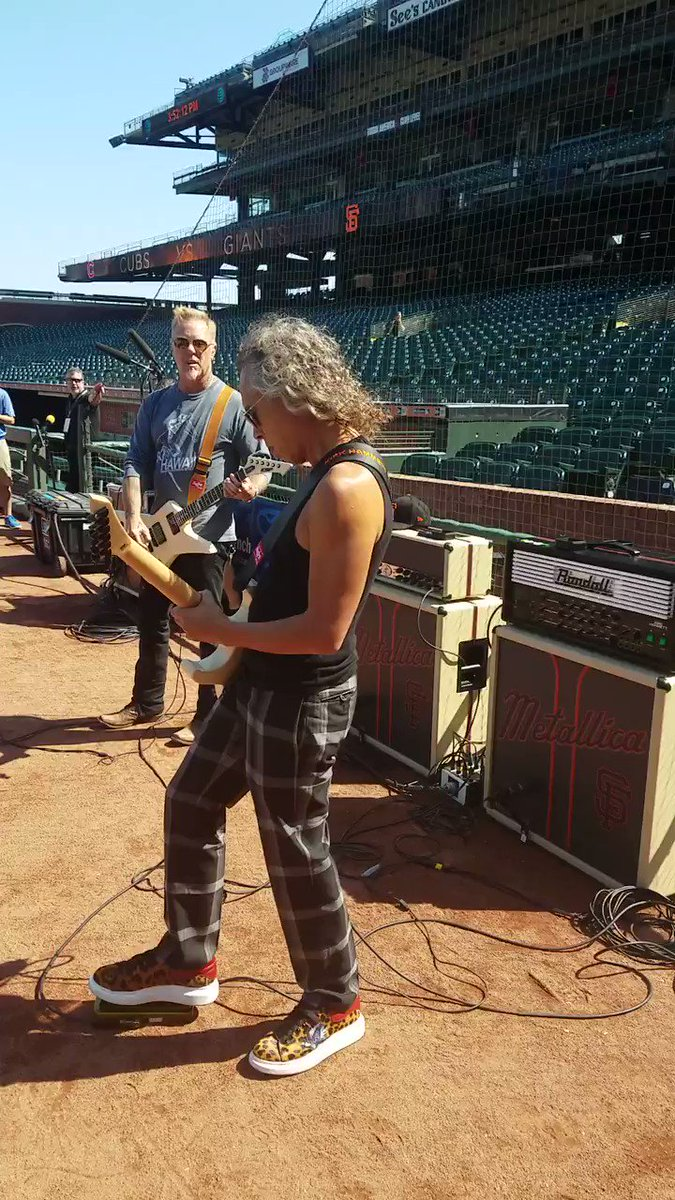 Sound check with @KirkHammett and James Hetfield at @ATTPark for #MetallicaNight! @Metallica