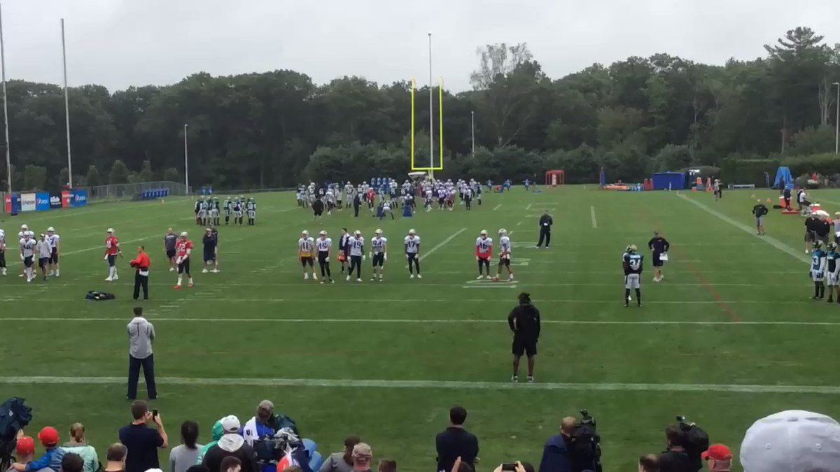 WR Brandin Cooks with a nice one-handed catch on pass from Tom Brady in drill vs #Jaguars DBs - #Patriots #wbz https://t.co/v2zPr8zDPo