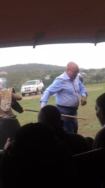 RT @wens26: somewhere in #nkandla the party is on mshalozi survives  #zumavote #BreakingNews https://t.co/tNHZIgey8z