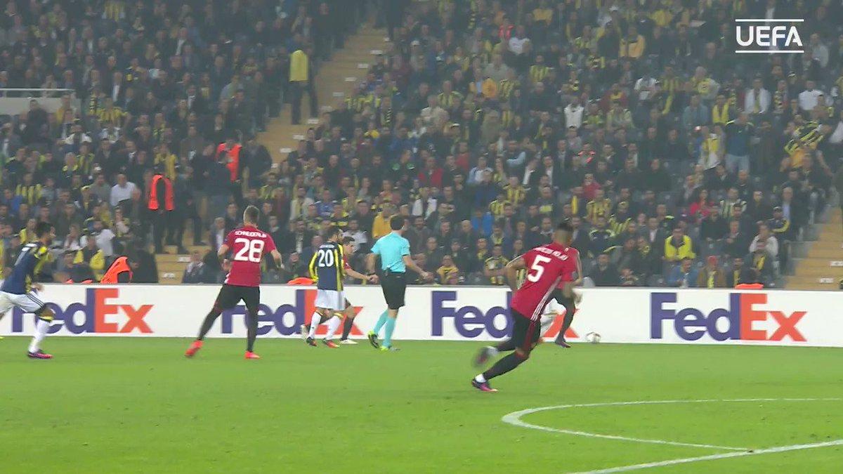 Moussa Sow 😱😱😱  #GoalOfTheSeason, @19Sow...