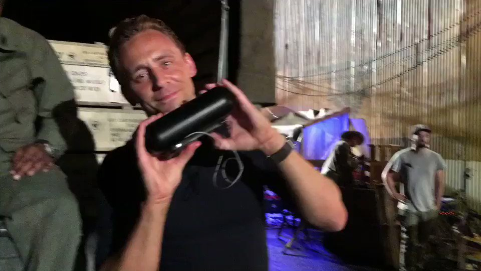 When hiddleston gets the beats pill... https://t.co/cjP4R3t3rE