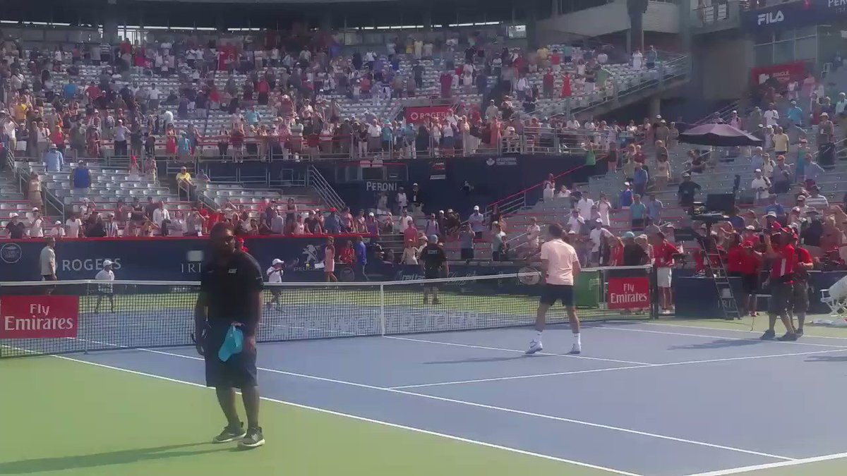 When you give @rogerfederer all he can handle. Quel moment pour nos Petits As @banquenationale! #CoupeRogers https://t.co/XxzLz6GAGL
