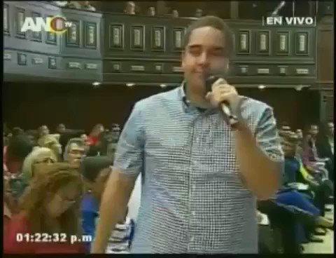 Nicolasito, el hijo de Nicolás Maduro, dice que irán a Nueva York a tomar La Casa Blanca. Lo tarado se hereda. https://t.co/fADfbbA48R