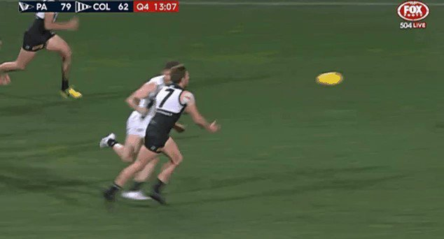 Robbie Gray 1. Physics 0.  Thanks @rickm18 for the clip  #AFLPowerPies...