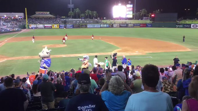 Fans sing Happy Birthday to Tim Tebow, who turned 30 today.