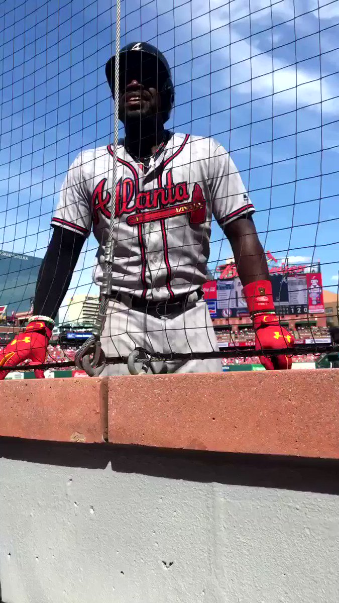 Brandon Phillips knows how to handle shit talkers. https://t.co/2VVgSMziOE