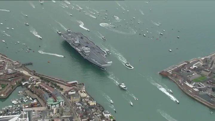 Just stunning   #HMSQueenElizabeth https://t.co/QUC8nyjIUJ