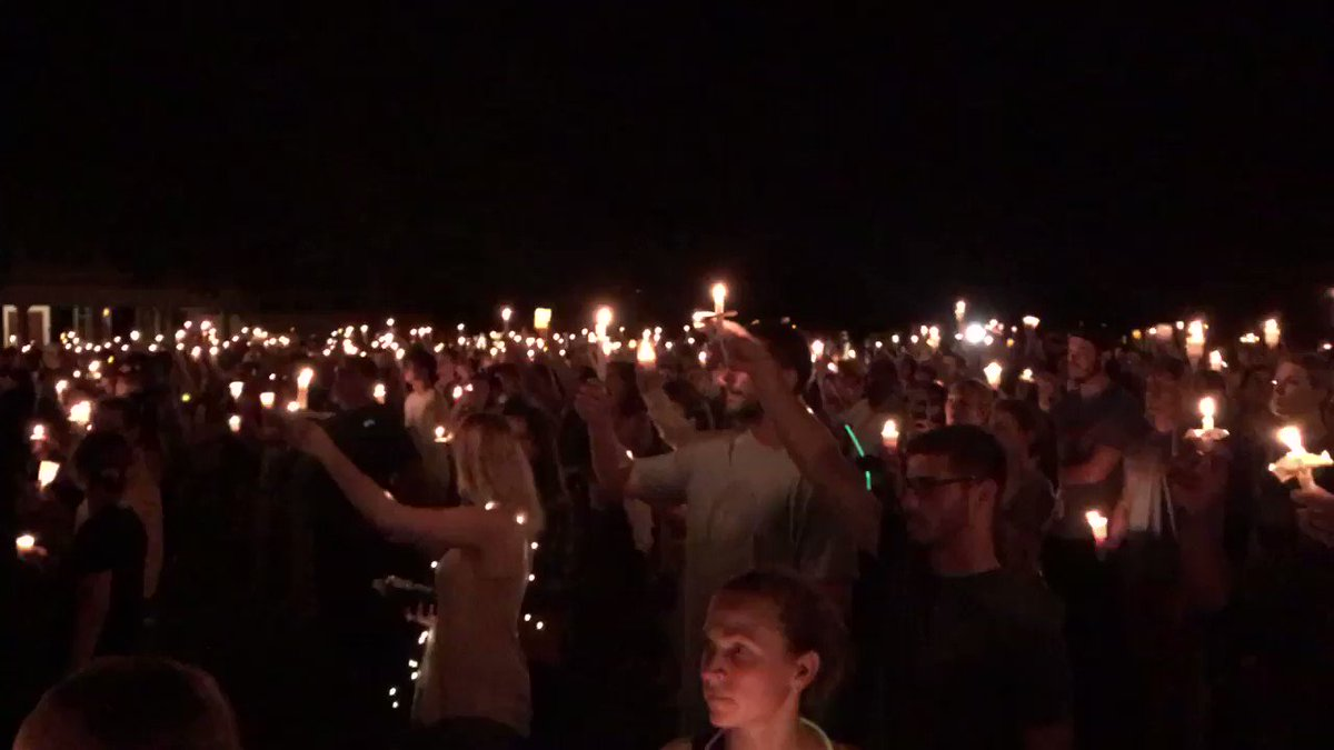 The scene at UVA. Wow. #Charlotteville https://t.co/hsSnyxMyUP