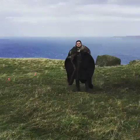 Drogon: 🤨 Jon: