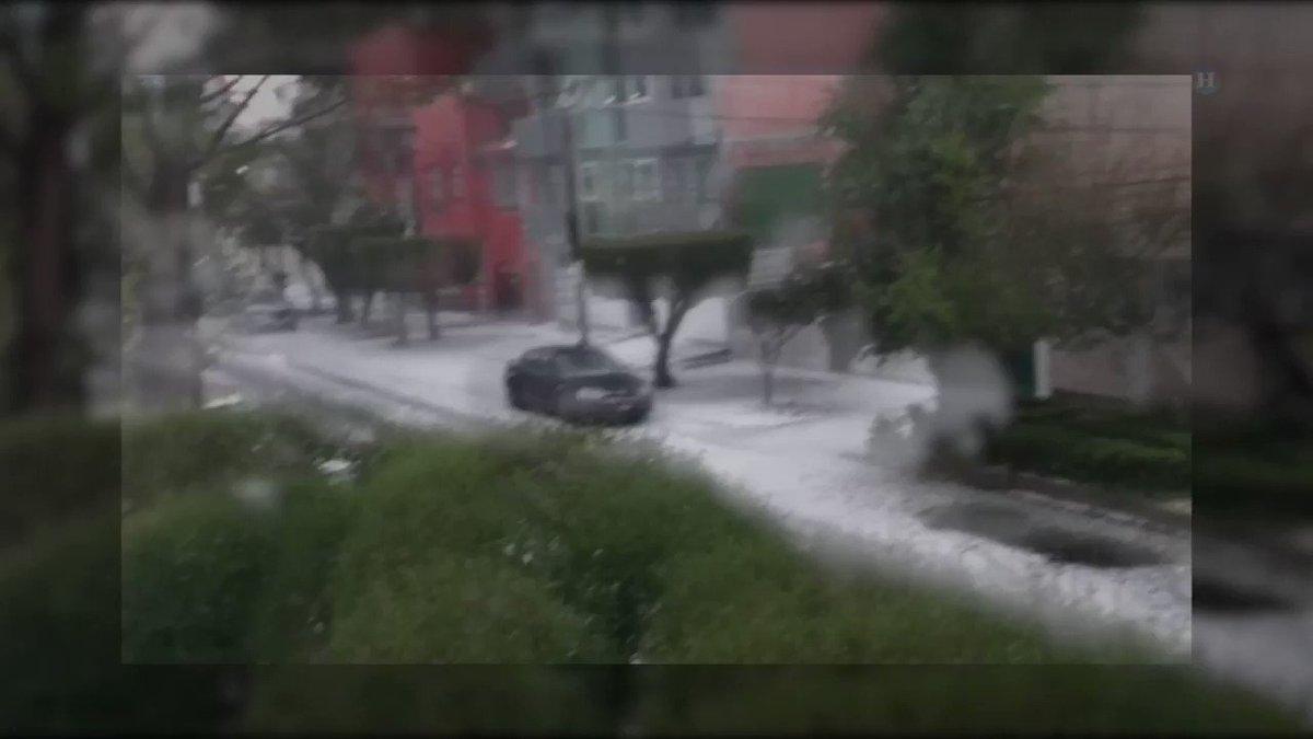 VIDEO Calles se tornaron de blanco por el #granizo de esta tarde en la...