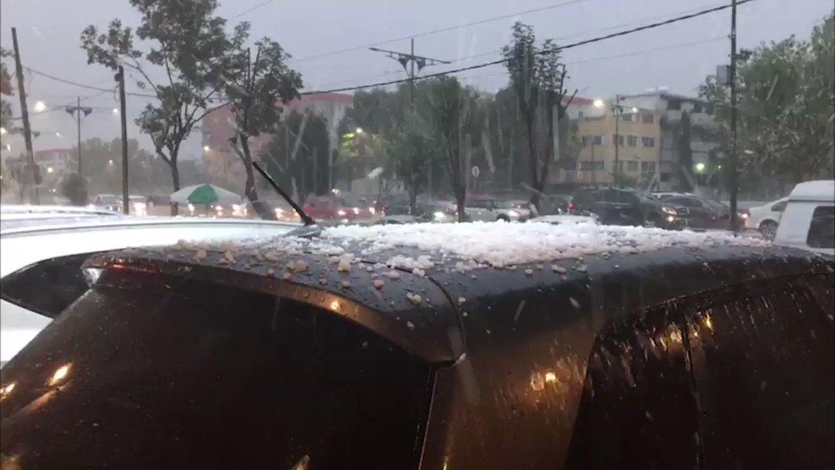 VIDEO Así estuvo la caída de #granizo en la CDMX https://t.co/4AKL7xDY...