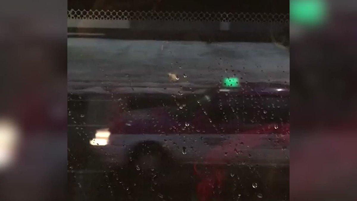 VIDEO El #granizo torno blancas las banquetas de Viaducto Tlalpan y va...