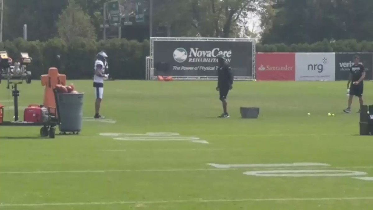 30 min after practice Ronald Darby and Brian Dawkins still on the field working. https://t.co/5ykCEBiikJ