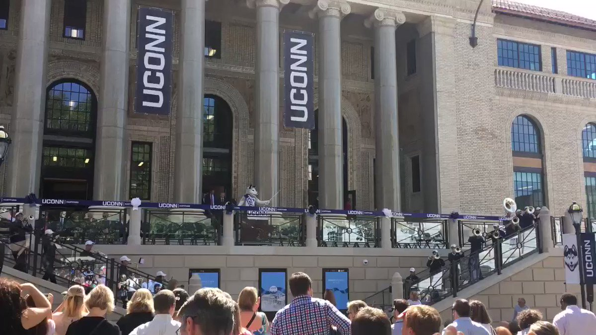 Excited to celebrate the return of @UConn to downtown #Hartford with the grand opening of their new campus! https://t.co/DStSaBQrce
