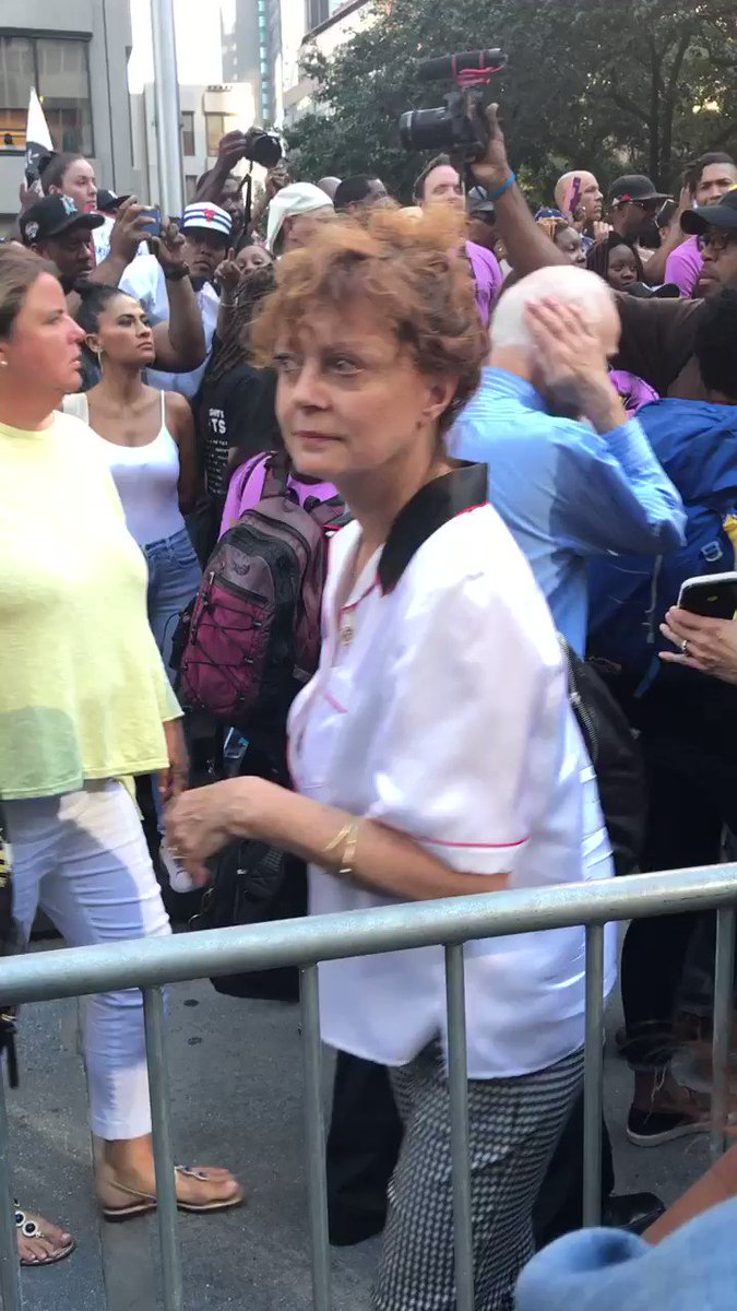Just spotted @SusanSarandon at this #ImWithKap rally in front of @NFL HQ in midtown NYC @ABC https://t.co/pBXyPGxQvr