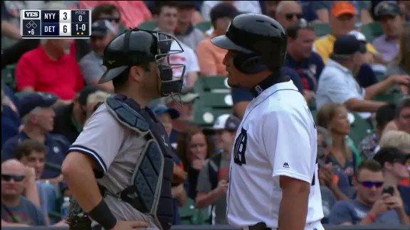 Miguel Cabrera y Austin Romine se fueron a las manos y las bancas se vaciaron entre @tigers y @yankees #VeranoMLB ⚾