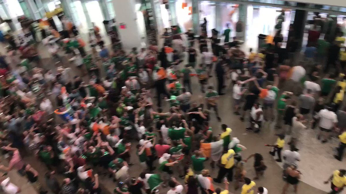 More crazy Irish fans here in Vegas after the #MayweatherMcgregor weigh in https://t.co/GJa5oU7Noi