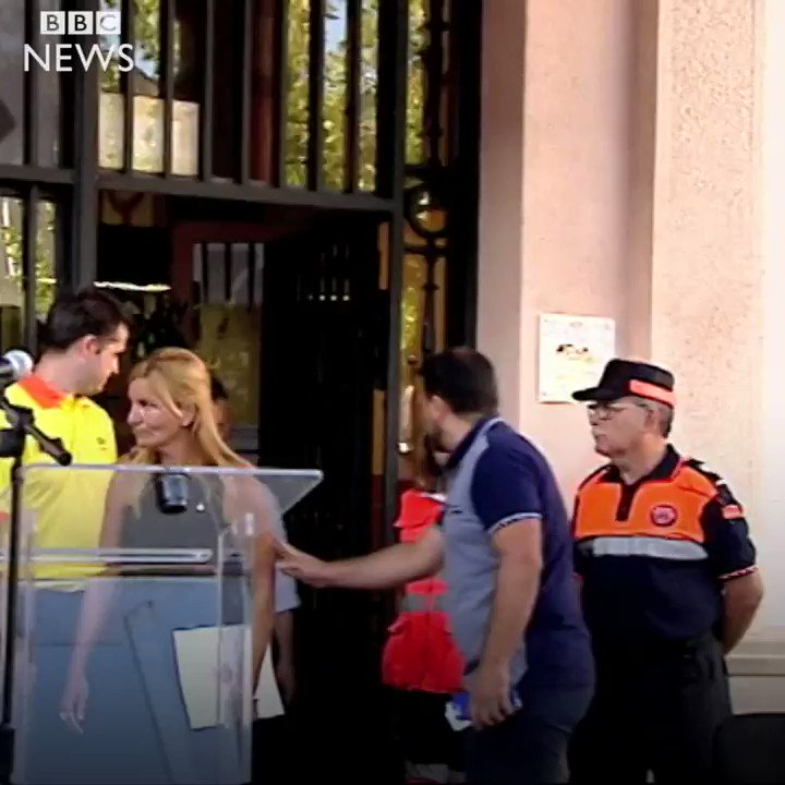 The father of the youngest victim of the Barcelona attacks embraces an imam in an emotional show of unity http://bbc.in/2wdBkK4