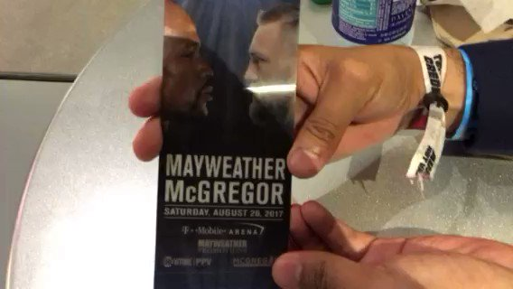 Así luce un boleto de 10 mil dólares para #Mayweather-#McGregor @ESPNmx @ESPNBoxeo https://t.co/Cf1mu9a6W9