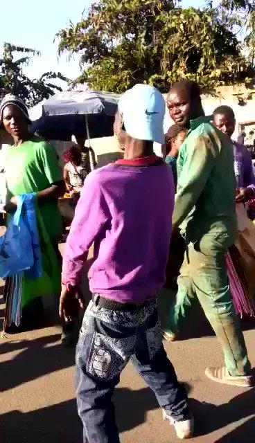 RT @tumisole: #TheDayZumaResigns  Nabo Mkhulu Emtee will rejoice    https://t.co/cmQVKHXsh6