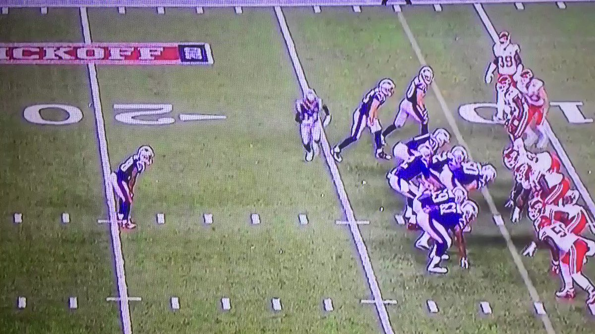 YO. That James White stiff-arm. #Patriots https://t.co/ggyE50KONV