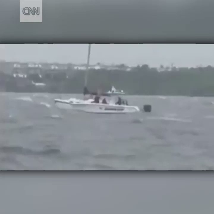 These Florida deputies rescued two people who stayed on their boat during #HurricaneIrma https://t.co/IfrE6Q8F6D https://t.co/feNMgPyDNG