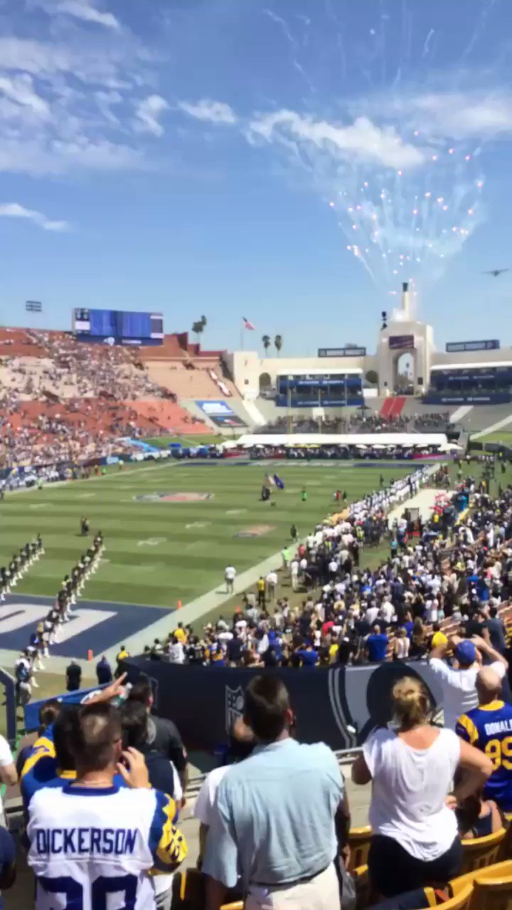 RT @MatthewACherry: Super cool fly over ✈️. Great job singing the national anthem @RealMichelleW #RamsVColts https://t.co/29EYFfDitG