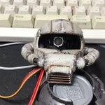 ザクヘッドに起動音とサーボ仕込みました#ザクヘッド#arduino pic.twitter.com/…