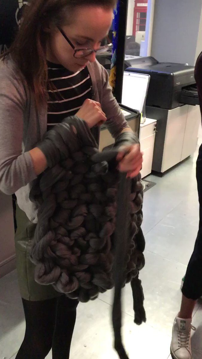 Check out our latest blog where we learnt #howto #armknit with @imakeknots https://t.co/lZCpFDKcI6 #design #agencylife