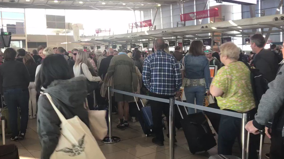Sydney airport delays as strong winds cause flights to be cancelled
