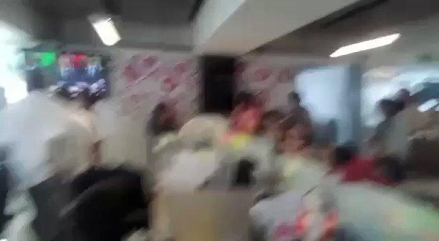 Así se sintió el sismo en la redacción de https://t.co/yZhRO4eZHB https://t.co/V4694bCDJT
