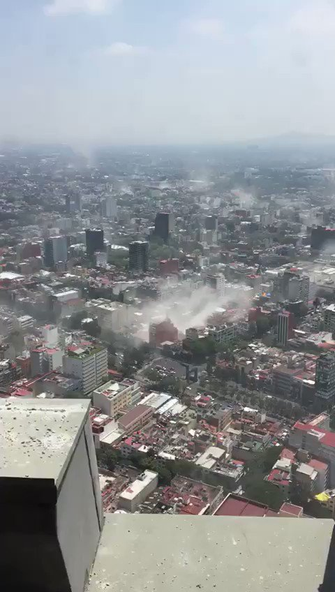 Center of Mexico City right now after 7.4 earthquake. Scary. Hope folks are ok. Video shot by a friend in DF https://t.co/tlYtpEShcB