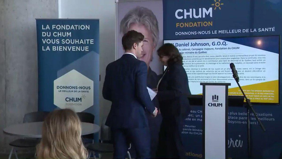 Jonathan Drouin s'adresse aux médias à l'annonce de son don au CHUM  :...