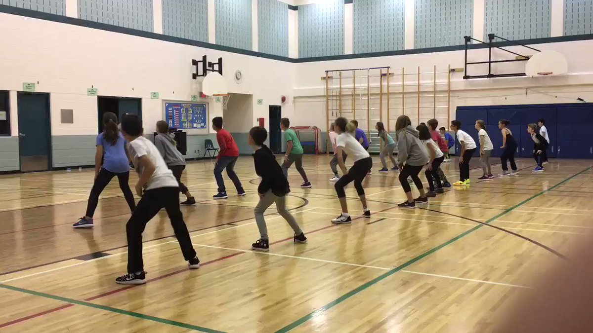 Day 1 of @SMG_CCSD dance residency for @MrZacClass. Here's a little taste of some slick #hiphop moves: @SoundKreations